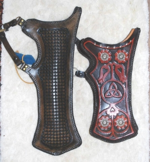 Horse bow quivers